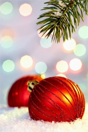 simsearch:400-05749231,k - Red Christmas bauble in snow with coniferous branch above Stock Photo - Budget Royalty-Free & Subscription, Code: 400-05745817