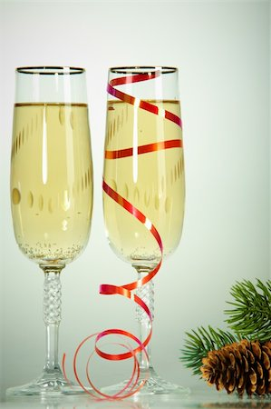 simsearch:400-05749231,k - Two champagne flutes with firtree cone on conifer branch near by Stock Photo - Budget Royalty-Free & Subscription, Code: 400-05750960