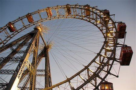 dpruter - Ferris wheel Vienna Stock Photo - Budget Royalty-Free & Subscription, Code: 400-05881609