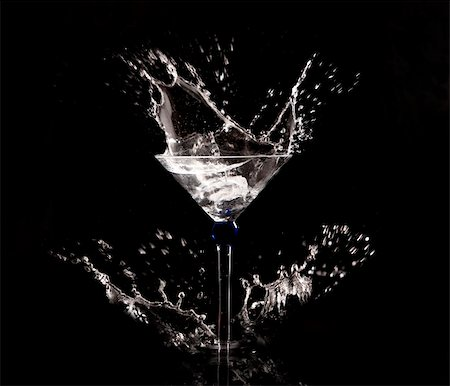 clear water splash on black background Stock Photo - Budget Royalty-Free & Subscription, Code: 400-05903729