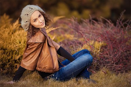 young girl in autumn park Stock Photo - Budget Royalty-Free & Subscription, Code: 400-06391171