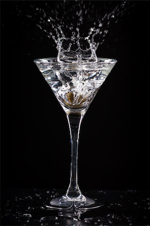 fresh coctail on the black background Stock Photo - Budget Royalty-Free & Subscription, Code: 400-06409646