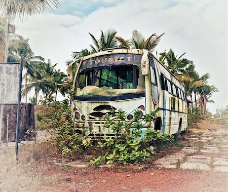 Old bus, abandoned and rusty photo Stock Photo - Budget Royalty-Free & Subscription, Code: 400-06424065