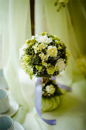 simsearch:400-04369855,k - Bouquet in a vase with a  violet bow Stock Photo - Budget Royalty-Free & Subscription, Code: 400-06457485