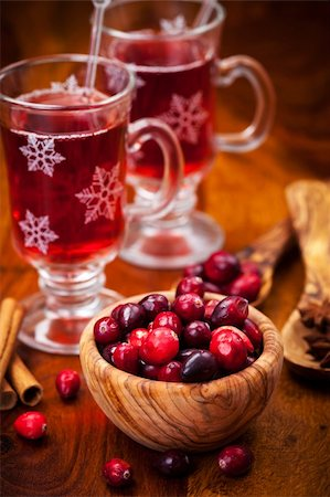Cranberries in wooden bowl with hot mulled wine Stock Photo - Budget Royalty-Free & Subscription, Code: 400-06461723