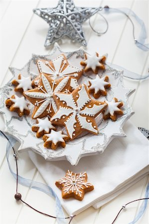 Homemade gingerbread for Christmas on the plate Stock Photo - Budget Royalty-Free & Subscription, Code: 400-06461738