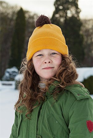 Outdoor winter portrait of a teenager girl Stock Photo - Budget Royalty-Free & Subscription, Code: 400-06560392