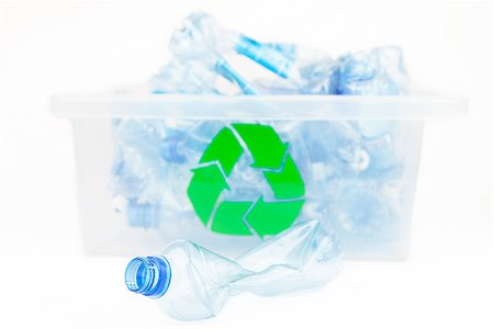 Plastic bottle in front of the box for recycling on white background Stock Photo - Budget Royalty-Free & Subscription, Code: 400-06864410