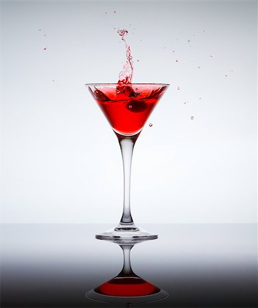 classic contemporary cocktail with display on the mirror Stock Photo - Budget Royalty-Free & Subscription, Code: 400-06911037
