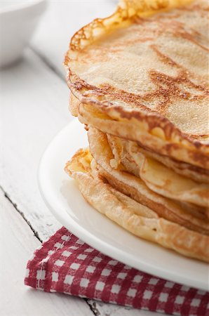 raysay (artist) - closeup view of fresh pancakes on plate Stock Photo - Budget Royalty-Free & Subscription, Code: 400-07042823
