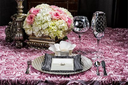 Image of a place setting at a wedding on pink Stock Photo - Budget Royalty-Free & Subscription, Code: 400-07111192