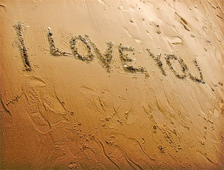 A scribble of affection in the sand. Stock Photo - Budget Royalty-Free & Subscription, Code: 400-07292600