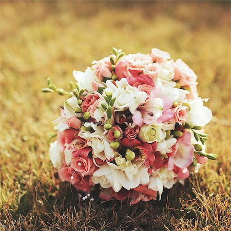scroll (design) - Wedding bouquet on grass Stock Photo - Budget Royalty-Free & Subscription, Code: 400-07477736