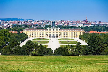 VIENNA, AUSTRIA - AUGUST 4, 2013: Schonbrunn Palace royal residence on August 4, 2013 in Vienna, Austria. Stock Photo - Budget Royalty-Free & Subscription, Code: 400-07678617