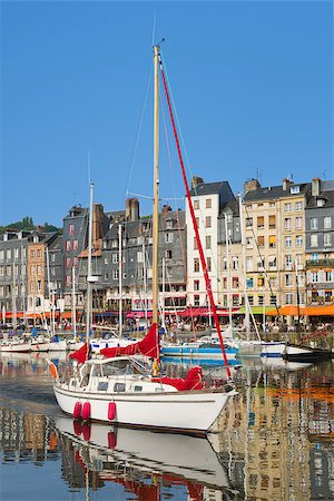 The white yacht in the Honfleur harbour Stock Photo - Budget Royalty-Free & Subscription, Code: 400-07916194