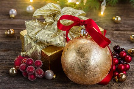 christmas ball with red bow and golden gift box Stock Photo - Budget Royalty-Free & Subscription, Code: 400-07973671