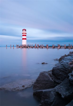 podersdorf - Lighthouse at Lake Neusiedl, Austria Foto de stock - Super Valor sin royalties y Suscripción, Código: 400-07973953