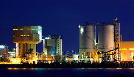 power station at night with smoke , hong kong Stock Photo - Budget Royalty-Free & Subscription, Code: 400-08045880