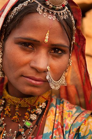 Close up portrait of traditional Indian woman in sari dress, India people. Stock Photo - Budget Royalty-Free & Subscription, Code: 400-08430147