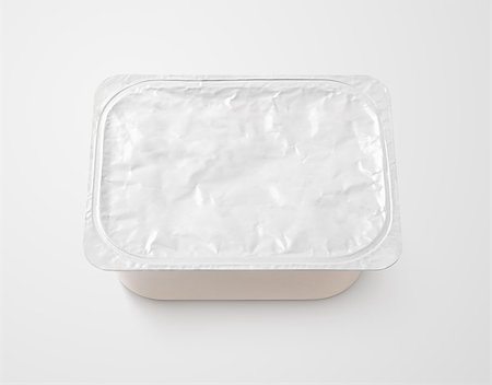 silver box - Top view of rectangular aluminum foil cover food tray on gray background with clipping path Stock Photo - Budget Royalty-Free & Subscription, Code: 400-08734742