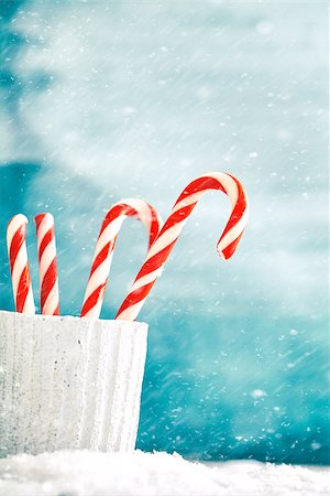 red stick candy - Candy canes. Christmas background with candies. Xmass sweets. Stock Photo - Budget Royalty-Free & Subscription, Code: 400-08785527