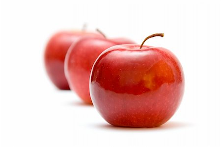 simsearch:400-04344039,k - three red apples against white background Stock Photo - Budget Royalty-Free & Subscription, Code: 400-03912609