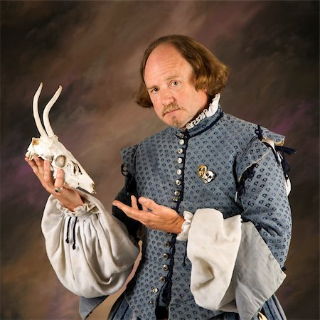William Shakespeare in period clothing holding deer skull and looking at viewer. Stock Photo - Budget Royalty-Free & Subscription, Code: 400-03921025