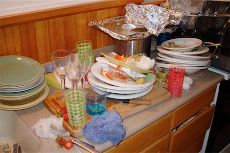 Dirty dishes on counter Stock Photo - Premium Royalty-Free, Code: 604-00233846