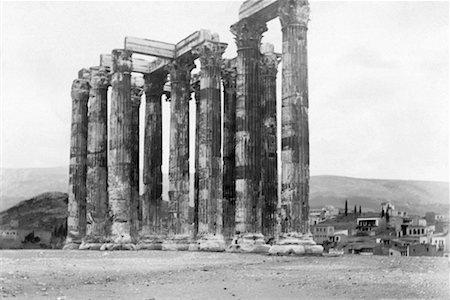 Vintage image of antique columns Stock Photo - Premium Royalty-Free, Code: 604-00275572
