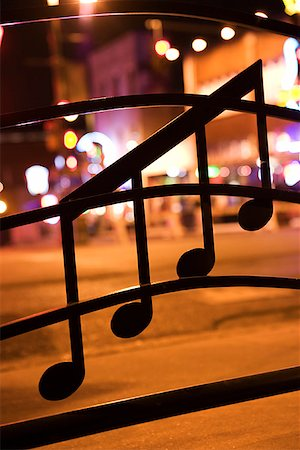 Musical notes on window on Beale Street, Memphis Stock Photo - Premium Royalty-Free, Code: 604-00754237