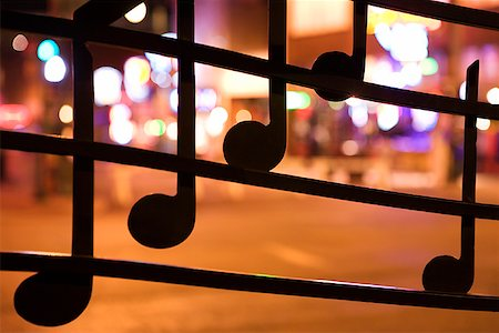 Musical notes on window on Beale Street, Memphis Stock Photo - Premium Royalty-Free, Code: 604-00754238