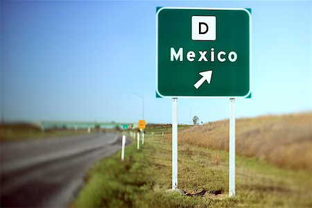 Mexico road sign Stock Photo - Premium Royalty-Free, Code: 604-00759760
