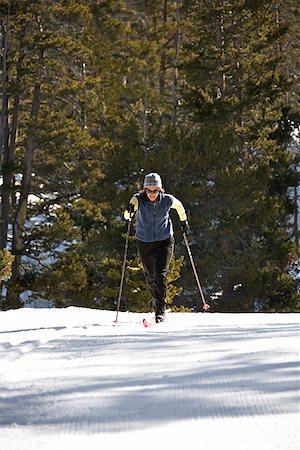 Woman cross-country skiing Stock Photo - Premium Royalty-Free, Code: 604-00753733