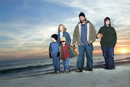 Family on beach Stock Photo - Premium Royalty-Free, Code: 604-00760199
