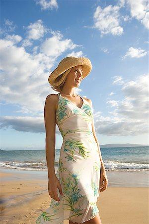 sandi model - Woman on beach/ Stock Photo - Premium Royalty-Free, Code: 604-00938623