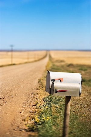 road landscape - Mailbox on dirt road Stock Photo - Premium Royalty-Free, Code: 604-00940312