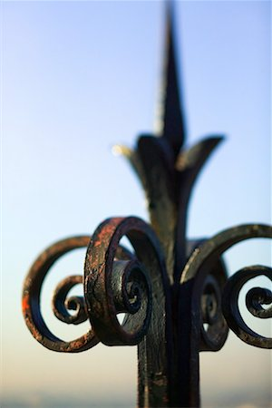scroll (design) - Wrought iron Stock Photo - Premium Royalty-Free, Code: 604-01232115