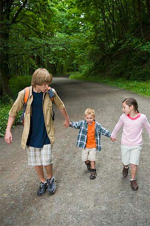 Children walking on hiking path Stock Photo - Premium Royalty-Free, Code: 604-02257655