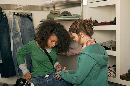 Teenage girls shopping Stock Photo - Premium Royalty-Free, Code: 604-02288681