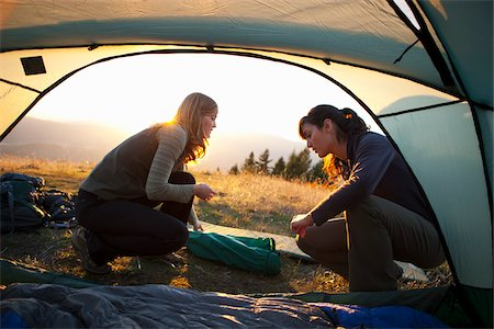 Women setting up Camp near Mt Hood, Oregon, USA Stock Photo - Premium Royalty-Free, Code: 600-04163462