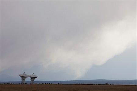 radio telescope - VLA Radio Telescopes, Socorro, New Mexico, USA Stock Photo - Premium Royalty-Free, Code: 600-04425068