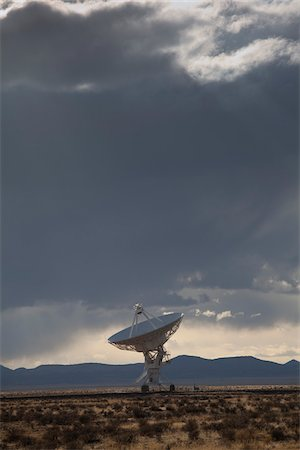 radio telescope - VLA Radio Telescope, Socorro, New Mexico, USA Stock Photo - Premium Royalty-Free, Code: 600-04425070