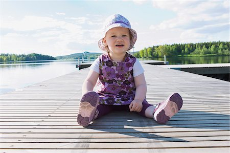 Girl on Dock Stock Photo - Premium Royalty-Free, Code: 600-04931580