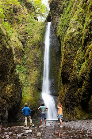 People Hiking and Looking at Waterfall, Oneonta Gorge, Oregon, USA Stock Photo - Premium Royalty-Free, Code: 600-04931717