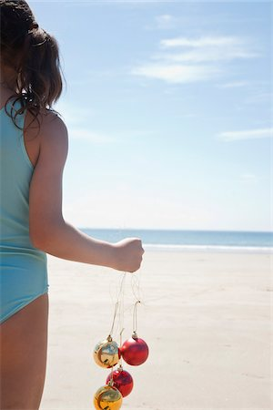 Girl On Beach, Camaret-sur-Mer, Finistere, Bretagne, France Stock Photo - Premium Royalty-Free, Code: 600-05389122