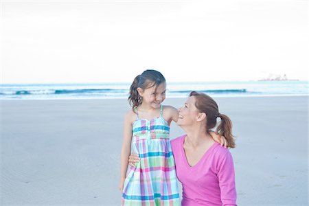 Mother and Daughter on Beach, Camaret-sur-Mer, Finistere, Bretagne, France Stock Photo - Premium Royalty-Free, Code: 600-05389173