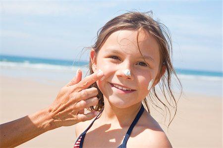 Girl on Beach, Camaret-sur-Mer, Finistere, Bretagne, France Stock Photo - Premium Royalty-Free, Code: 600-05389210