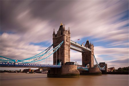 europe - Tower Bridge and the River Thames, London, England Stock Photo - Premium Royalty-Free, Code: 600-05389459