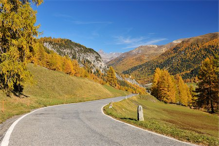 Road, La Punt-Chamues-ch, Albula Pass, Canton of Graubunden, Switzerland Stock Photo - Premium Royalty-Free, Code: 600-05452179