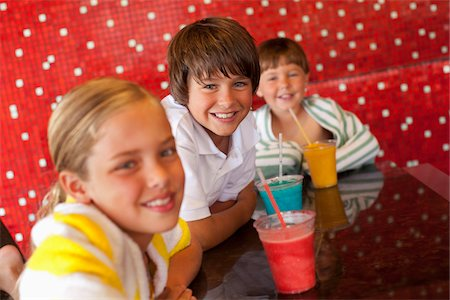 Children at Pool Bar Stock Photo - Premium Royalty-Free, Code: 600-05524090